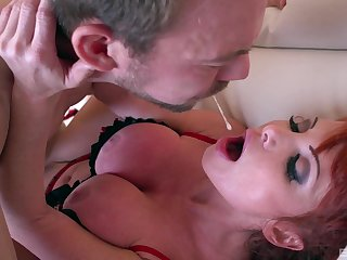 Busty mature Taylor Wane is the real master of memorable fuck