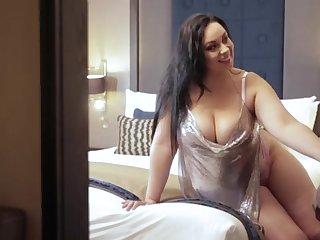 Anastasia Lux domestic cumshot