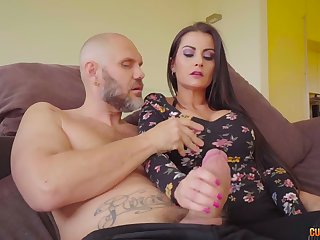 Curvy Spanish babe Bianka Blue bows to give a really great blowjob