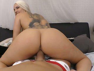 Mesmerizing Blanche Bradburry is so good as she rides strong cock on top