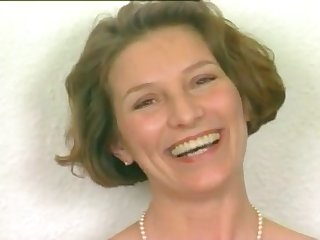 Short haired German mature woman first porn video