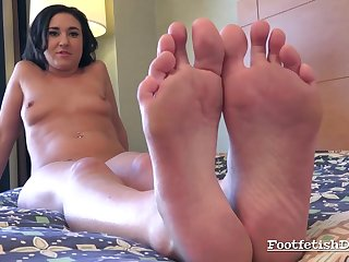 Kylie Kalvetti Performing Foot Fetish Hot Porn Video