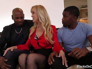 Nerdy busty sexy MILF Brandi Love gonna work on super strong BBCs