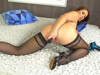 Sexy solo milf treats her pussy and ass with great lust