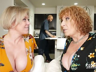 Dee & Sara Take It Black Arousing 3Some Orgy - dee williams