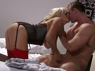 To pay back for kinky boobies sucking workout MILF Stormy Daniels gives BJ