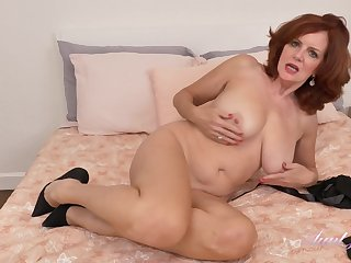 Andi James Loves To Make Love Herself On Cam