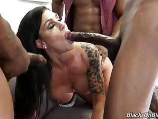 Messy gangbang with black guys covering Melissa Lynn with cum