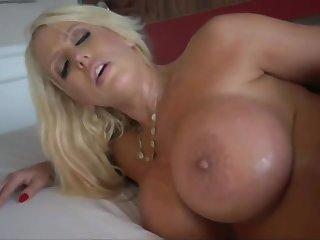 Lovely mommy Alura Jenson hardcore sex movie